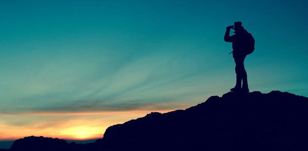 hiker-984083_1280